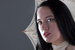 Gotisch meisje met een paraplu Stock Fotografie