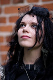 Gotisch stijl gekleed meisje Stock Afbeeldingen