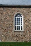 Gotisch venster op kerk in steen Royalty-vrije Stock Afbeeldingen