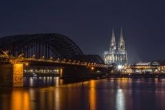 Gotische de kathedraalzonsondergang van Keulen Royalty-vrije Stock Afbeeldingen