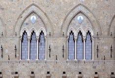 Gotische doppelte Fenster Stockfotografie