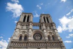 Gotische Kathedrale Notre Dame des Grenzsteins in Paris Stockbild