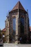 Gotische kerk van slechte urach in de zomer stock foto