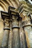 Gotische kolommen stock afbeeldingen