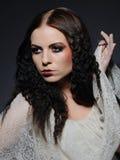 Gotische vrouwelijke gezichts creatieve samenstelling royalty-vrije stock afbeelding