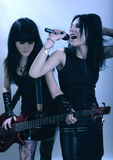 Gotische womans op muziekpartij Stock Fotografie