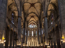 Gotischer Kirche-Innenraum Stockfotos