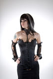 Gotisches Mädchen im schwarzen Korsett stockfotografie