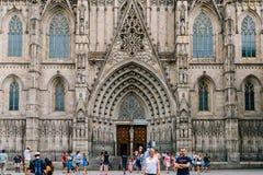 Gotisk domkyrka av det heliga korset och helgonet Eulalia Catedral de la Santa Cruz y Santa Eulalia In Barcelona Fotografering för Bildbyråer