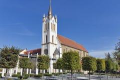 Gotisk Franciscan församlingkyrka i Kezsthely, Ungern arkivfoto