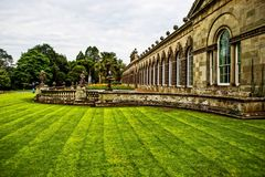 Gotisk herrgård för Margam slott royaltyfri fotografi
