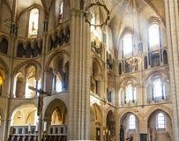 Gotisk kupol i Limburg, Tyskland i härliga färger Royaltyfri Foto