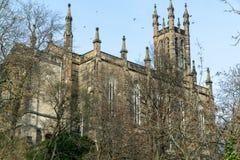 Gotisk kyrka f?r bergstopp arkivfoto