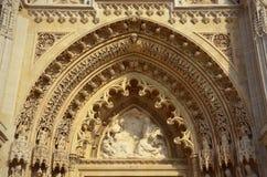 Gotisk kyrklig arkitektur royaltyfria foton
