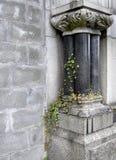 gotisk kyrkogård royaltyfria bilder