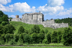 Gotisk slott Cesky Sternberk, Tjeckien arkivbilder