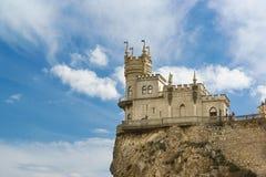 Gotisk slott i byn av Gaspra-svalors rede som byggs i 1912 av teknikern Leonid Sherwood En populär turist- dragning in arkivfoto
