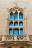 Gotisk-stil fönster Arkivbilder