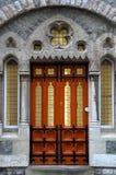 gotisk stil welsh för dörröppning arkivfoton
