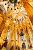 Gotiska bågar i inre av den Barcelona domkyrkan, Spanien Royaltyfria Bilder