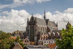 Gotiska detaljer av domkyrkan kyrktar i Leiden Arkivbilder