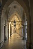 Gotiska gallerier i torkduken Hall i Krakow, Polen Royaltyfria Bilder