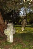 Gotiska kors och gravvalv i Helgon-Hubert Chruch, Aubel Royaltyfri Bild