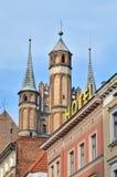 Gotiska kyrkliga torn i Torun, Polen Royaltyfria Bilder
