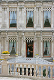 gotiska neo fönster Arkivbild