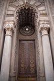 gotiskt gammalt för dörr arkivfoto