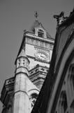 Gotiskt klockatorn Fotografering för Bildbyråer