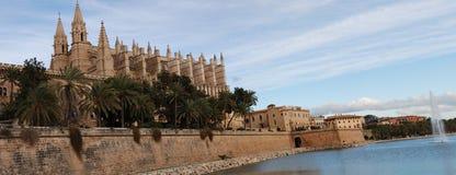 gotiskt panorama- för domkyrka Arkivfoto