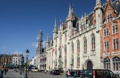 Gotiskt stilstadshus i historisk mitt av Bruges, Belgien royaltyfri foto