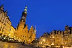 Gotiskt torn av det gamla stadshuset, Wroclaw Arkivfoto