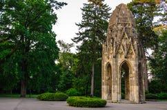 Gotiskt torn i ledsna Janka Krala, Bratislava, Slovakien Royaltyfri Foto