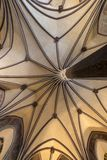 Gotiskt valv i det Malbork slottet Arkivbild