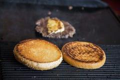 Gotować piec na grillu kanapki obrazy royalty free