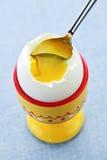 gotowana filiżanki jajka miękka część Fotografia Royalty Free