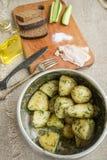 Gotowane nowe grule z ziele Fotografia Stock