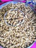 Gotowani arachidy na Odprasowywają talerza Zdjęcie Stock