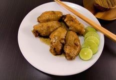 Gotowani kurczaków skrzydła zdjęcia royalty free