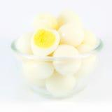 Gotowani przepiórek jajka na białym tle obrazy stock