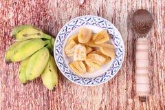 Gotowany banan w syropie i wholes banan Zdjęcia Royalty Free