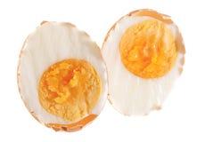 gotowany jajko przekrawał swój skorupę Fotografia Royalty Free