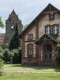 Gottberg-Pfarrhaus-Feldsteinkirche Stock Images
