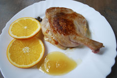 Gotująca kaczki noga z pomarańcze i miodem Obraz Royalty Free