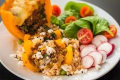 Gotuję peppar z mięsem i warzywami Obrazy Royalty Free