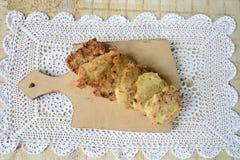 Gotujący cutlets od courgettes w domowej kuchni Fotografia Royalty Free