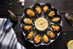 Gotujący Mussels przepis Odgórny widok fotografia royalty free