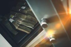 Gotówkowego pieniądze Bezpieczny depozyt Zdjęcia Stock